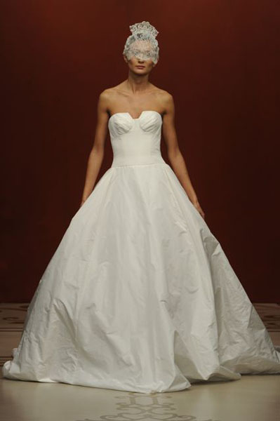 Bridal Market 2010 - Reem Acra :  wedding bridal market 2010  Val0898 _VAL0898