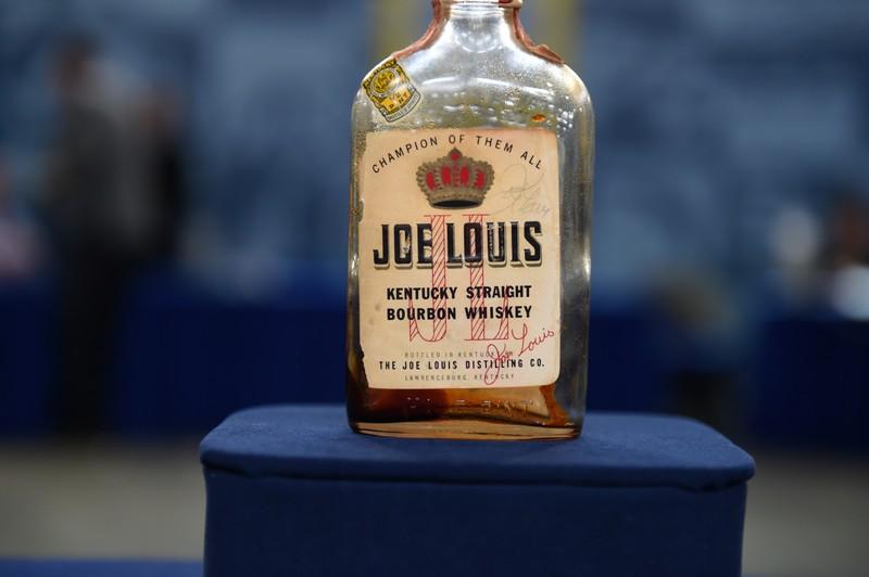 1952 Joe Louis Signed Whiskey Bottle Antiques Roadshow PBS