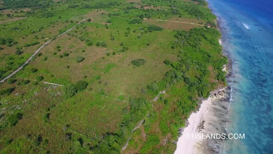SUMBA-LAND-WAIKELO-BEACH-1