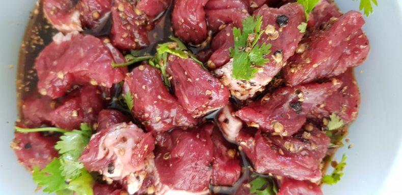 Fleisch in Marinade