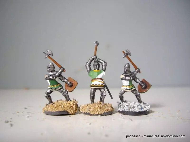 Flat Medieval War Helmets Birthday Cakes