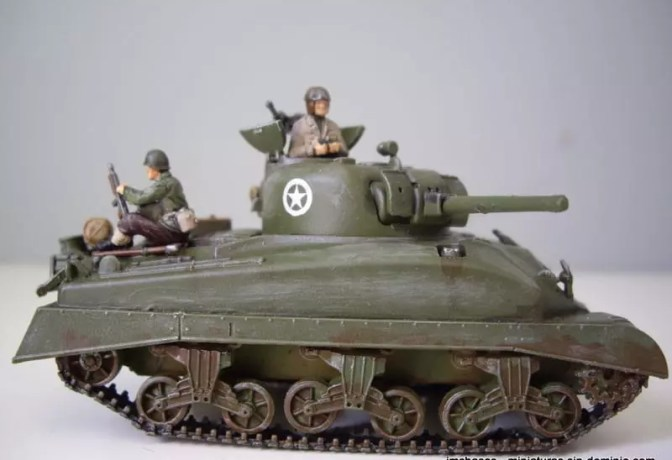 AMT – ERTL 8639 Sherman M4A1