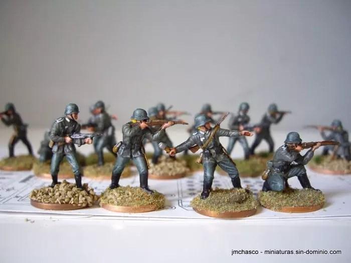 Best Miniatures Paint Set
