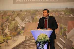 Dr. Thomas Foerster bei seinem historischen Vortrag Foto: J. Lehmann