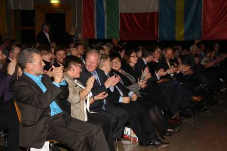 Begeisterter Applaus in der Silberberghalle. Foto: J. Lehmann