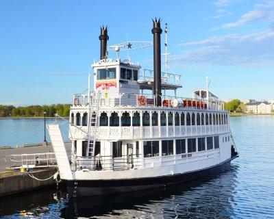Island Queen Lunch - 1000 Islands Cruises