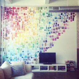 Sabe aquele leque de cores que geralmente vai para o lixo? Você pode transformá-lo em decoração!