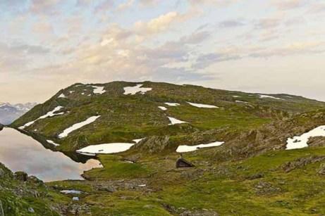 hunting-lodge-camp-640x427