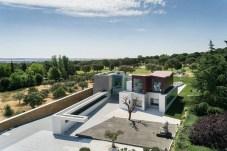 Superb-Geometric-House-in-Madrid2-900x598