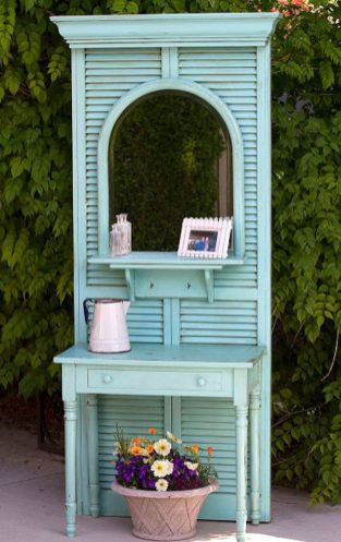 shutters-are-turned-into-awesome-shelving-3-640x1016