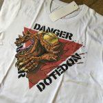 ドテドンTシャツを売っています。