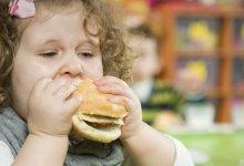 Obez ebeveynin çocuğunun obez olma riski 15 kat artıyor