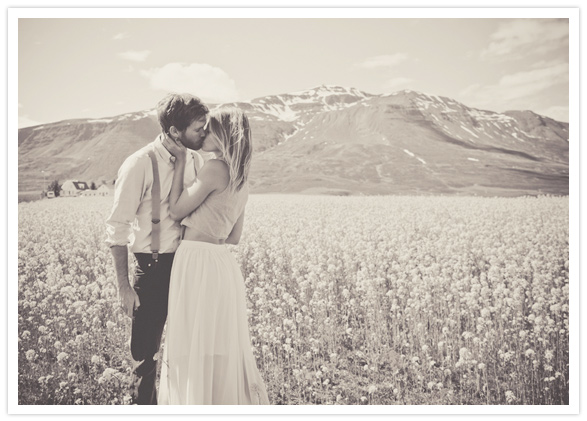 romantic iceland engagement session