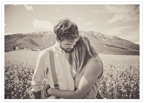 romantic prairie engagement session