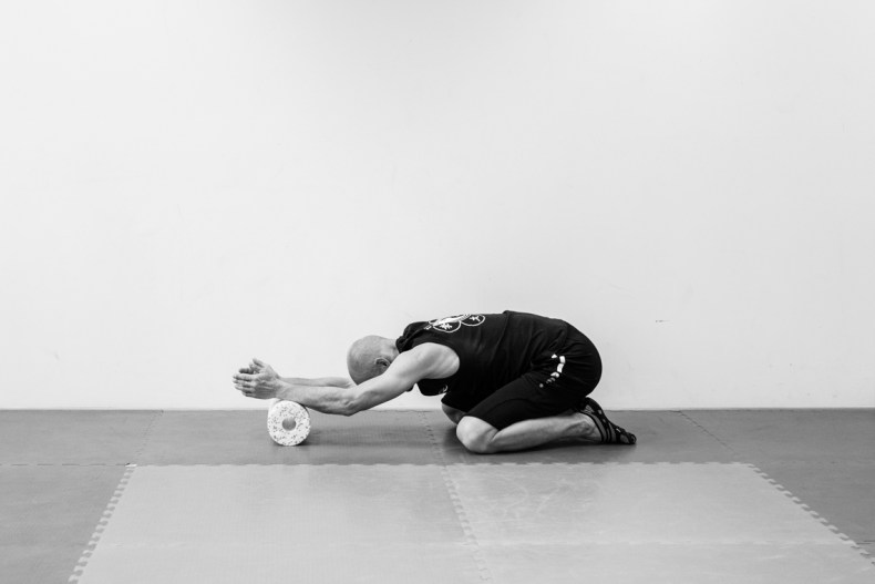 Black Roll Relax Exercises - Photographed by Fanning Tseng for Y!PE-6