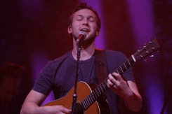 Phillip Phillips_009