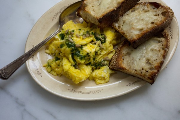Super-eggy Scrambled Eggs
