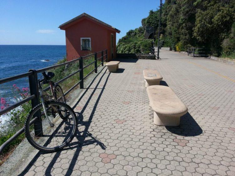 Passeggiata in bicicletta da Arenzano a Cogoleto