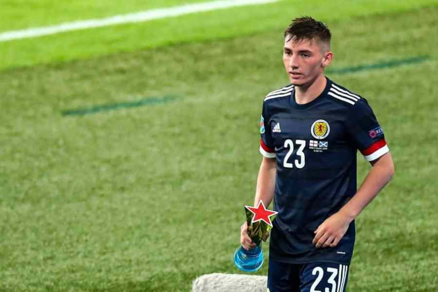 Billy Gilmour's mother uses Norwich unveiling as reminder of Old Firm allegiance