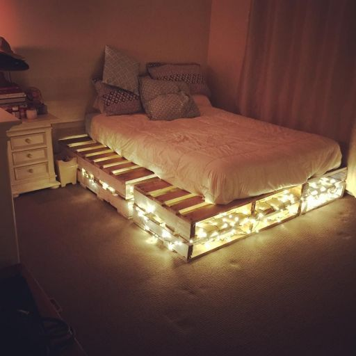Amazing pallet bed with lights