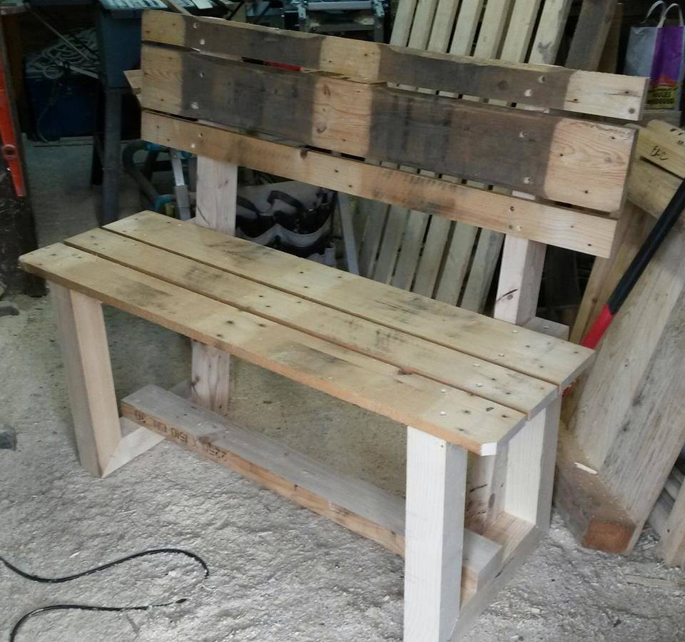 Rustic Inspired Wooden Pallet Bench