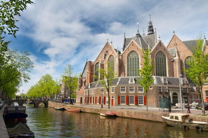 Oude Kerk de Amsterdam, Iglesia Vieja, horario - 101viajes