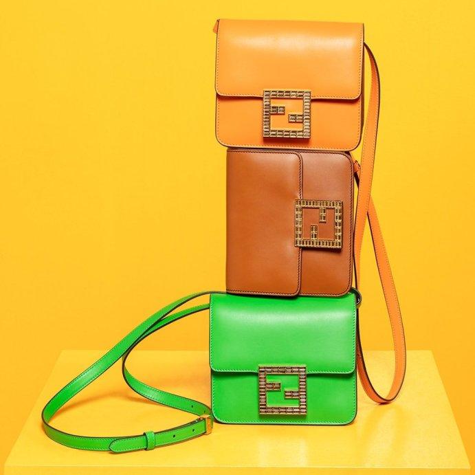 Los mejores regalos de moda y belleza para este Día de las Madres - ten-loves-fendi-fab-bag-1-min