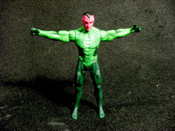 Sinestro arms out