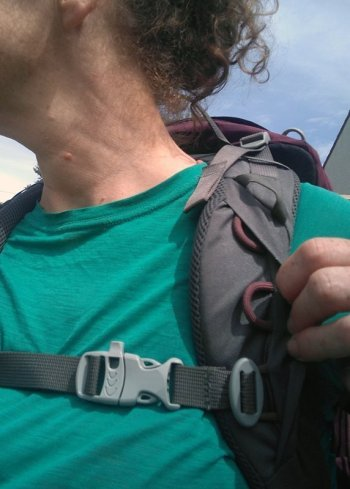 Easily adjust the height of the chest strap
