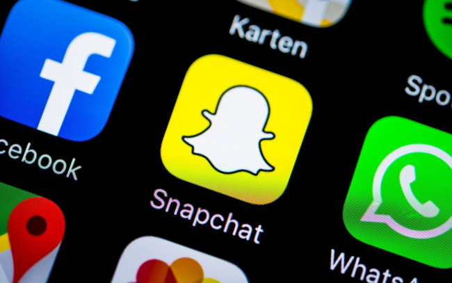 Snapchat  free calls from cell phone
