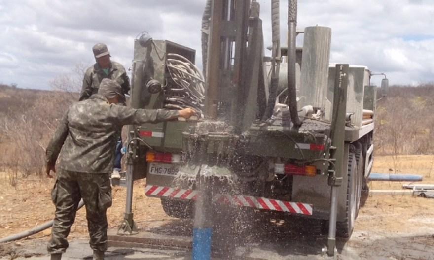 Comando da 10ª Região Militar - 2º Batalhão de Engenharia de Construção  perfura Poços no Semiárido
