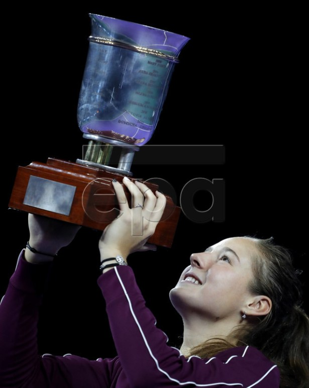 Daria Kasatkina of Russia poses with the trophy after her victory during women's final match against Jabeur Ons of Tunisia at the Kremlin Cup tennis tournament in Moscow, Russia, 20 October 2018.  EPA-EFE/SERGEI ILNITSKY