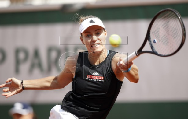 Angelique Kerber of Germany plays Anastasia Potapova of Russia during their women?s first round match during the French Open tennis tournament at Roland Garros in Paris, France, 26 May 2019.  EPA-EFE/YOAN VALAT