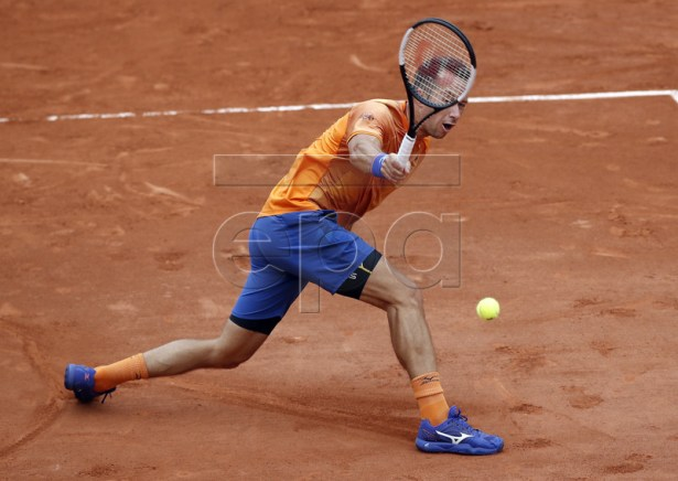 Philipp Kohlschreiber of Germany plays Robin Haase of the Netherlands during their men?s first round match during the French Open tennis tournament at Roland Garros in Paris, France, 26 May 2019. EPA-EFE/YOAN VALAT