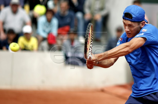 Alex De Minaur of Australia plays Bradley Klahn of the USA during their men?s first round match during the French Open tennis tournament at Roland Garros in Paris, France, 27 May 2019.  EPA-EFE/YOAN VALAT