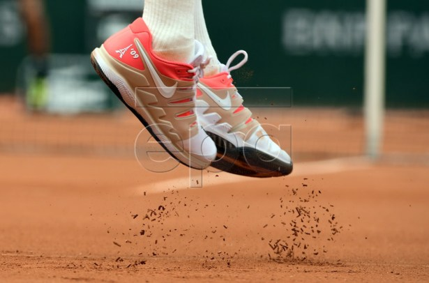 The shoes of Roger Federer of Switzerland as he plays Oscar Otte of Germany during their men?s second round match during the French Open tennis tournament at Roland Garros in Paris, France, 29 May 2019.  EPA-EFE/CAROLINE BLUMBERG