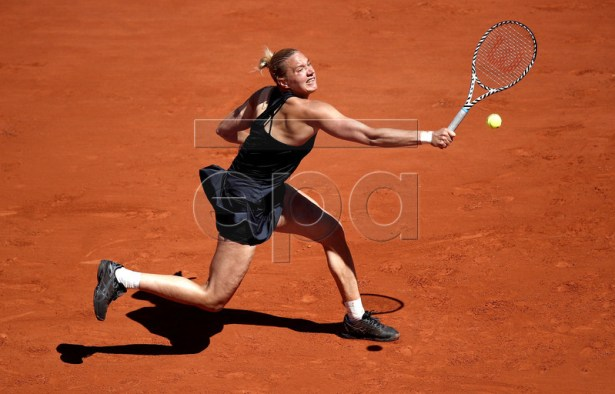 Kaia Kanepi of Estonia plays Petra Martic of Croatia during their women?s round of 16 match during the French Open tennis tournament at Roland Garros in Paris, France, 02 June 2019. EPA-EFE/YOAN VALAT
