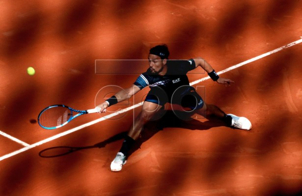 Fabio Fognini of Italy plays Alexander Zverev of Germany during their men?s round of 16 match during the French Open tennis tournament at Roland Garros in Paris, France, 03 June 2019. EPA-EFE/SRDJAN SUKI