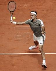 Roger Federer of Switzerland plays Stan Wawrinka of Switzerland during their men?s quarter final match during the French Open tennis tournament at Roland Garros in Paris, France, 04 June 2019. EPA-EFE/YOAN VALAT