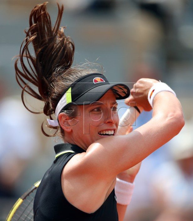 Johanna Konta of Britain plays Sloane Stephens of the USA during their women?s quarter final match during the French Open tennis tournament at Roland Garros in Paris, France, 04 June 2019. EPA-EFE/SRDJAN SUKI