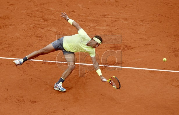 Rafael Nadal of Spain plays Roger Federer of Switzerland during their men?s semi final match during the French Open tennis tournament at Roland Garros in Paris, France, 07 June 2019. EPA-EFE/YOAN VALAT