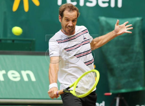 Richard Gasquet from France in action during his round of 16 match against Roberto Bautista Agut from Spain during the ATP Tennis Tournament Noventi Open (former Gerry Weber Open) in Halle Westphalia, Germany, 20 June 2019. EPA-EFE/FOCKE STRANGMANN