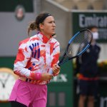 Tennis • Quack, quack: Azarenka waddles into second round on day of tough conditions at Roland Garros