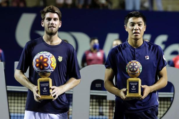 ATP Photos from Los Cabos and the Swiss Open – Trophy Photos