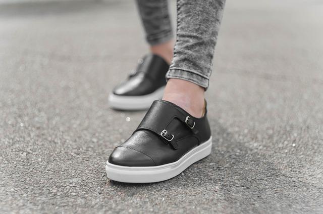 best walking shoes that aren't sneakers