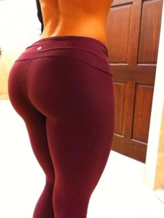 Hot-girls-in-Yoga-Pants-50