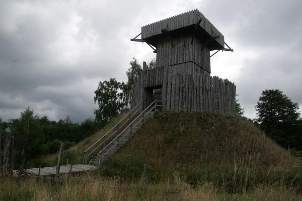 Im Geschichtspark Bärnau dem Mittelalter nachspüren