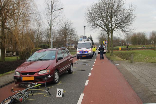Ernstige verkeersongeval Ijweg 16-2-13 011