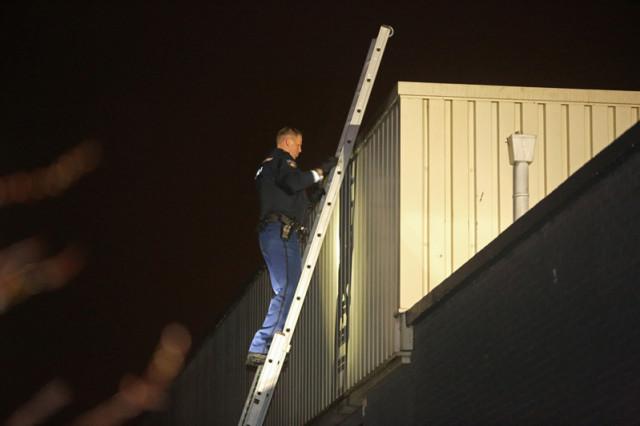 Zoektocht naar inbrekers op industrieterrein in Zwanenburg