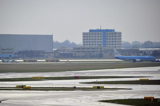 Schiphol: KLM toestel keert terug naar Schiphol